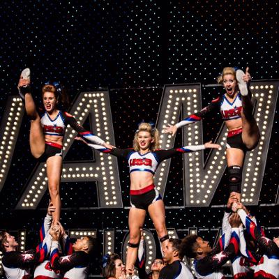 Starz Cheer